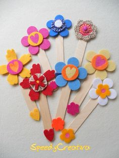Felt bookmarks with Popsicle sticks by vera Popsicle Stick Crafts, Craft Stick Crafts, Felt Crafts, Easy Crafts, Crafts For Kids, Arts And Crafts, Popsicle Sticks, Bookmarks Kids, Crochet Bookmarks