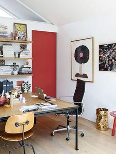 Saiba como usar e combinar vermelho na decoração.