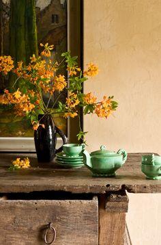 Veja como incorporar o verde na decoração da sua casa. Seus tons criam um visual fresco e equilibrado que combina com diversos estilos. Inspire-se!