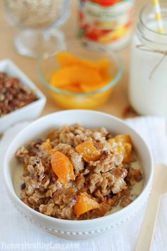 Slow Cooker Peach Oatmeal - Yummy Healthy Easy  I'll use with fresh ingredients this summer!