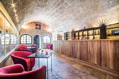 Le bar de l'Oustau de Baumanière #baumanière #virginieovessian #bauxdeprovence