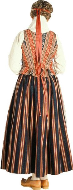 I've always wanted a traditional national costume for myself. Preferably made by myself. Here's the costume of my original parish, Laukaa. Folk Costume, Costumes, Home Sew, Marimekko, Something Beautiful, Traditional Dresses, Finland, Vintage Ladies, Folklore