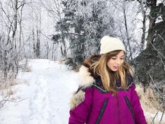 Walking in the snow – Flirty Jennette Mccurdy Jennette Mccurdy, Icarly Cast, Which Character Are You, Winter Hats, Winter Jackets, Sarah Shahi, Kellan Lutz, Miranda Cosgrove, Elizabeth Gillies