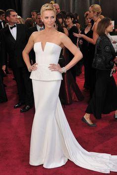 Charlize Theron en Dior à la cérémonie des Oscars en 2013