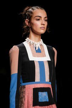 Valentino Spring 2016 Ready-to-Wear Accessories Photos - Vogue Valentino, Vogue Paris, Kaftan, Camille Hurel, Runway Fashion, Fashion Show, Mannequins, Fashion Details, Catwalk