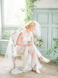 Editorials Photography Website Design, Whimsical Wedding Inspiration, Wedding Gifts, Wedding Ideas, Wedding Bouquets, Wedding Dresses, Wedding Portraits, Luxury Wedding, Enchanted