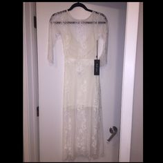 For love and lemons Gorgeous white for love and lemons dress! Low back. Never been worn For Love and Lemons Dresses Maxi