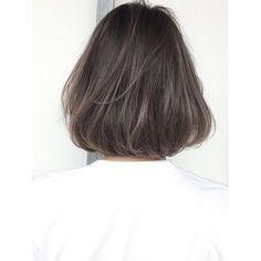 いいね!445件、コメント6件 ― 金田和樹 kaneta kazukiさん(@kaneman.jp)のInstagramアカウント: 「ハイライトとローライトを、混ぜてカラーをすると、めちゃめちゃきれい♡ ぜひ挑戦してみましょう♡ボブスタイルが得意です☆ . . . #shima#グレージュ#ロブ#ボブ #ハイライトカラー . .…」 Girl Short Hair, Short Hair Cuts, Short Hair Styles, Trendy Hairstyles, Bob Hairstyles, Korean Short Hair, Hair Arrange, Mid Length Hair, My Hairstyle