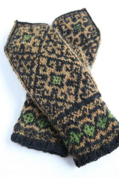 andalus lined mittens with duplicate stitch