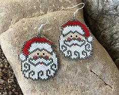 Santa Clause Face Trimmed in Silver Peyote Beaded Earrings by DoubleACreations on Etsy Beaded Earrings Patterns, Peyote Beading, Seed Bead Earrings, Jewelry Patterns, Etsy Earrings, Beading Patterns, Beaded Jewelry, Hoop Earrings, Craft Ideas
