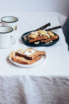 ... apple cinnamon french toast ...