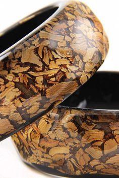 Картинки по запросу Jewellery cracked wood board