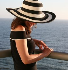 Yay! Love stripes anyway but great hat style