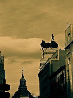 Untitled Cuádrigas del edificio BBVA | Foto: MARIE LAMPE-Madrid&Co.