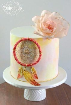 Beautiful and simple Dreamcatcher cake