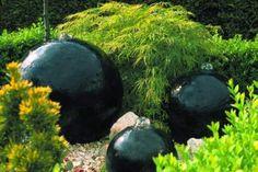 Kula wodna - element wodny w ogrodzie