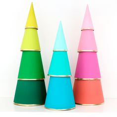 DIY Modern Tiered Ombre Christmas Trees A Kailo Chic Life : Make these simple DIY Modern Tiered Ombre Christmas Trees using just three craft supplies! The perfect easy Christmas craft for kids and adults! Ombre Christmas Tree, Modern Christmas, Outdoor Christmas, Simple Christmas, Christmas Lights, Christmas Holidays, Christmas Decorations, Christmas Colors, Christmas Crafts For Adults