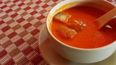 Tastee Recipe The Tomato Soup That Will Make Any Professional Chef Jealous - Page 2 of 2 - Tastee Recipe Easy Tomato Soup Recipe, Best Tomato Soup, Delicious Vegan Recipes, Vegetarian Recipes, Tastee Recipe, Greek Yogurt Recipes, Using A Pressure Cooker, Jamie Oliver, Calories