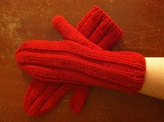 Ravelry: Wide Rib Mittens pattern by Naomi Adams