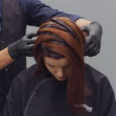 I want to do this technique on someone!! So cool! I really wish I could take my head off and do my cut and color!!!! :D