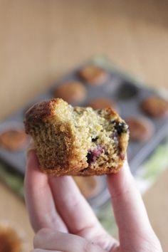 Muffins de arandanos y yogur - Reinas y Repollos Gluten-free, 100% Vegan Blueberry muffins