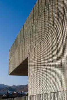 Photo © Fernando Carrasco. fernandocarrasco.net .  Centro de Artes escénicas de Níjar (Almería) Spain. MGM José Morales, Sara de Giles, Juan González Mariscal  Architects. 2001-2006