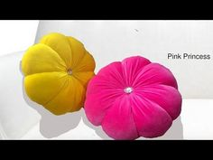 Make money online selling this kind of cushions.With 1 meter fabric we can make cushions. Cushion Tutorial, Diy Cushion, Luxury Cushions, Velvet Cushions, Crochet Pouf, Pillow Crafts, Machine Embroidery Applique, Kids Pillows, Baby Knitting Patterns