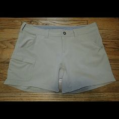 The North Face Beige Shorts 6 Regular - NWT ?? Brand new, never worn, no damage.  ?? Smoke-free, pet-free household.   ?? No trades/swaps!  ?? No holds!  ?? No low-balling!  ?? No PayPal!   ? Reasonable offers welcomed! Please use the offer button so I know you are serious about the item! I will not respond to price negotiations via comments.  ? I love bundling! Not only will you get ONE shipping fee, I will also discount your combined total! Please ask me in the comments!  ?? Happy poshing…