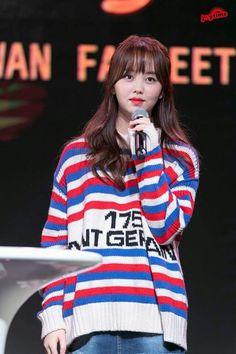 Cute Girl Pic, Cute Girls, Kim So Hyun Fashion, Kim Sohyun, Child Actresses, Korean Girl, Korean Idols, Korean Beauty, Hippie Style
