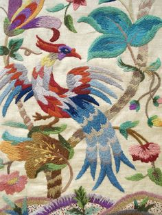 ANTIQUE JACOBEAN STYLE CREWEL WORK EMBROIDERY ON LINEN.