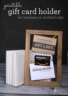 Perfect for last-minute gifts - a Printable Gift Card holder for your book-lovin Moms and Teachers! #printable #mothersday #teachers