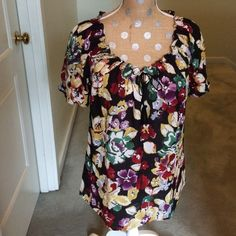 Joie floral top! Beautiful floral top. Perfect condition! Joie Tops