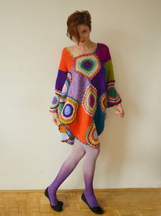 The rich, vivid colors of this dress/tunic will truly make you the queen of retro. It is extremely versatile, hip and fun to wear. It can fit almost any size, and works great as either a casual minidress or a fancy tunic! The dress on the photo has the following measurements: Bust: 42 inches - 53 inches (107cm - 136cm) Length - longest point: 42 inches (107cm) Length - shortest point: 31 inches (78cm) Fits US sizes M-3XL. Note: please keep in mind that the dress would take 2 weeks t...