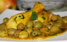 Ontdek hoe men Kiptajine met olijven en ui maakt  en vind honderden recepten van Marokkaanse gerechten