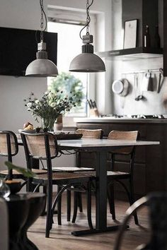 Clever and genius small dining room design ideas 40 Dining Room Design, Interior Design Kitchen, Kitchen Decor, Interior Decorating, Room Kitchen, Dining Area, Interior Modern, Kitchen Ideas, Sweet Home