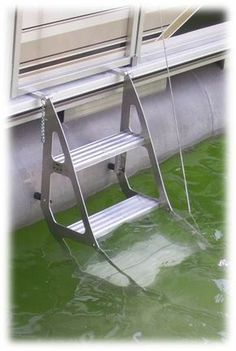 Tooner II Pontoon Retractable Ladder--what a sweet idea! Best Pontoon Boats, Pontoon Boating, Boating Tips, Pontoon Houseboat, Boating Fun, Houseboat Ideas, Houseboat Living, Retractable Ladder, Pontoon Party