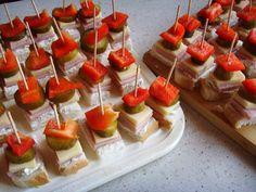 Kliknij i przeczytaj ten artykuł! Quick Recipes, Cooking Recipes, Food Decoration, Polish Recipes, Savoury Cake, Party Snacks, Kids Meals, Food Inspiration, Food And Drink