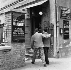 Ilyen is volt Budapest - Dózsa György út, a Kéményseprő Étterem Vintage Ads, Vintage Photos, Hungary, Budapest, Old Photos, History, 3, Graphics, Queen