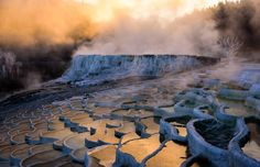 Hungary has more to offer than just the capital Budapest. Get to know Hungary's diversity with the help of Globetrotter and his travel tips. Pamukkale, Prague, Europe Centrale, Photo Voyage, Hungary Travel, Voyage Europe, Central Europe, Budapest Hungary, Belleza Natural
