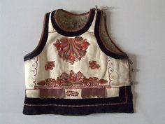 Erdélyi néprajzi múzeum gyüjtemény Bohemian Costume, Hungarian Embroidery, Folk Music, Hungary, Folk Art, Ethnic, Tank Man, Vest, Traditional