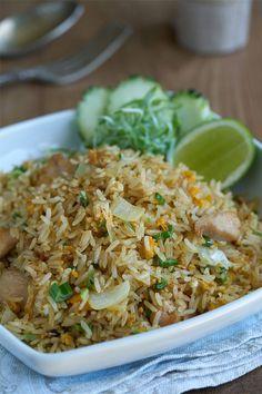 Arroz frito con pollo Thai, Arroz frito con pollo, Arroz frito, Arroz frito estilo thai, Arroz frito Kwan Homsai, cocina tailandesa, cocina asiática