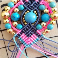 Bohemian earrings macramé Pompons and beads Micro Macramé, Bleu Turquoise, Earring Tutorial, Round Beads, Gemstone Beads, Diy Jewelry, Knots, Crochet Necklace, Two By Two