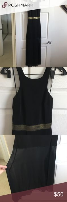 Express maxi Beautiful express maxi! Gold belt waist and sheer bottom. Wore this for New Year's Eve last year and loved it! Unfortunately, it is is too small! Perfect condition Express Dresses Maxi