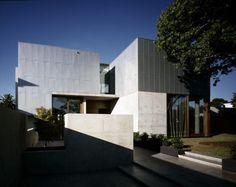 Brighton House / Robert Simeoni