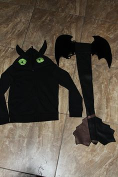 Children's XL How to Train your Dragon   Toothless by ThinkYouCan, $60.00