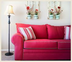 Pink-sofa-with-pipping-frame