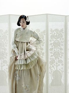 한복 hanbok very modern cream dress Korean Traditional Dress, Traditional Fashion, Traditional Dresses, Traditional Design, Korean Dress, Korean Outfits, Ethnic Fashion, Asian Fashion, White Fashion