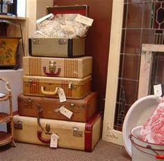 Love Old Luggage