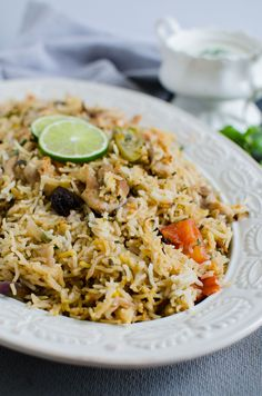 This easy chicken biryani is a one pot healthy recipe. It is full of traditional flavors and very easy to prepare. You will love this authentic delicacy. Canned Corn Recipes, Healthy Chicken Recipes, Seafood Recipes, Indian Food Recipes, Asian Recipes, Healthy And Unhealthy Food, Healthy Meats, Healthy Zucchini, Briyani Recipe