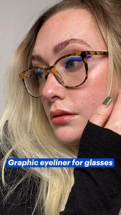 Makeup Inspo, Makeup Art, Makeup Inspiration, Eye Makeup, Hair Makeup, Beauty Make Up, Hair Beauty, Graphic Eyeliner, Makeup Swatches